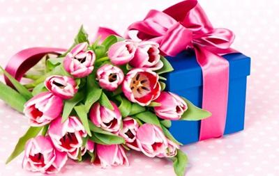 Українки розповіли про бажані подарунки на 8 березня