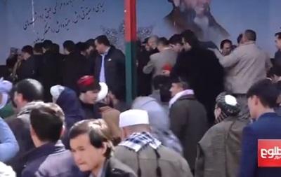 Вибухи в Кабулі: поранено кандидата в президенти Афганістану