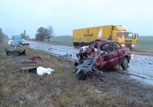 В Николаевской области водитель Infiniti выехал на встречную полосу: трое погибших