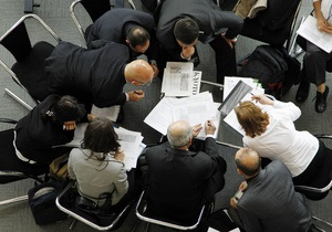 Половина украинцев работает сверхурочно и бесплатно - опрос