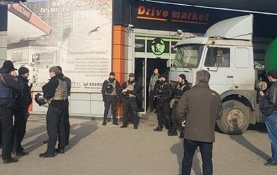В Одесской области неизвестные захватили заправку