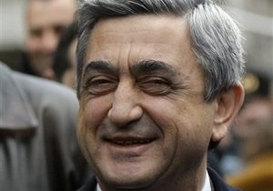 Президент Армении заявил, что его страна не боится воевать