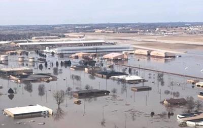 В США затопило авиабазу с  самолетами судного дня