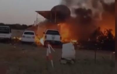 У Ботсвані чоловік викрав літак і протаранив свій будинок
