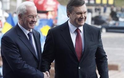 Янукович та Азаров включені у списки виборців - ЗМІ