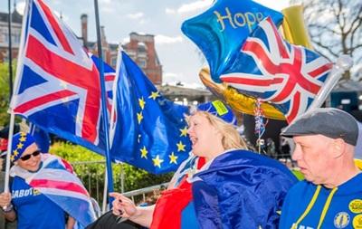 Уряд Великобританії відмовився розглядати петицію про Brexit