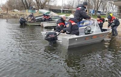 Обнаружены тела еще двух человек из утонувшей на Днепре лодки