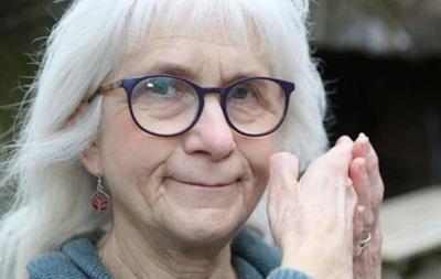 71-летняя женщина имеет иммунитет к боли