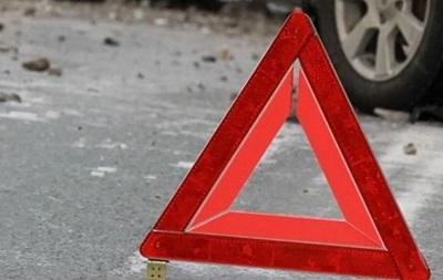 В Одесской области водитель BMW сбил двух женщин на трассе, одна умерла