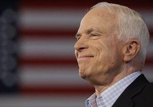Маккейн призвал США вооружить сирийских оппозиционеров ради прекращения насилия