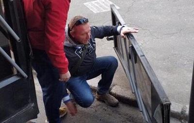У Києві чоловік випав з тролейбуса разом з дверима