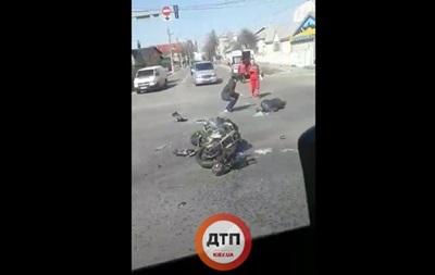Под Киевом ДТП с участием  скорой : есть пострадавший