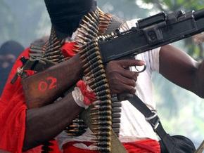 Сотни нигерийских боевиков сложили оружие