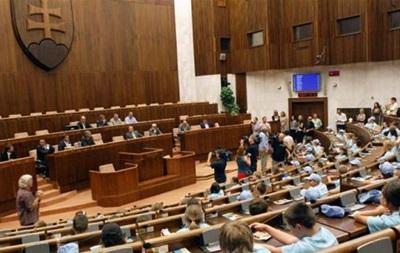 У Словаччині помилково прийняли закон, що забороняє іноземні гімни