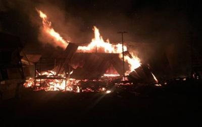 В Мукачево горят склады с древесиной