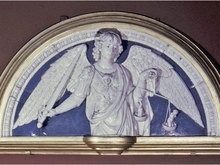 В музее Метрополитен разбился Святой архангел Михаил
