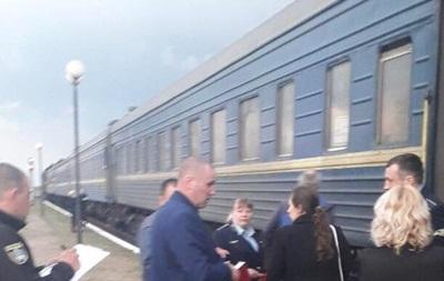 У поїзді з Харкова знайшли двох пасажирів з ножовими пораненнями