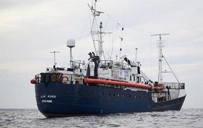 Германия и еще три страны ЕС примут мигрантов с немецкого судна Alan Kurdi