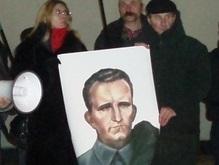 Коммунисты собрались кровь проливать в центре Симферополя
