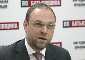 Защита Тимошенко просит суд допросить в качестве свидетелей по делу Щербаня Таруту и Гайдука