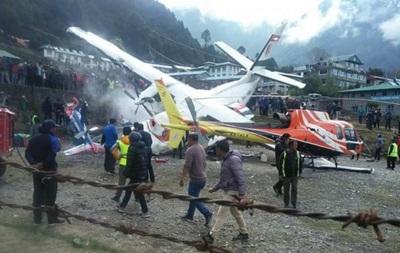 Самолет и вертолет столкнулись в Непале
