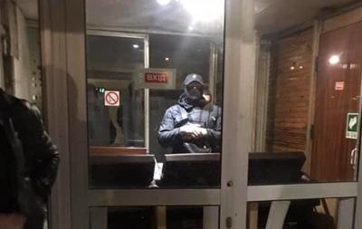 В Киеве неизвестные захватили спорткомплекс