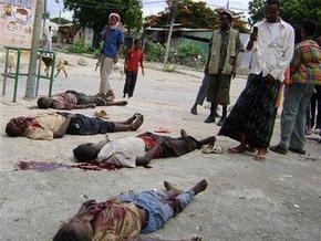 Жертвами минометного обстрела сомалийской мечети стали  не менее 13 человек