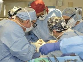 Уникальная операция: обгоревшему французу пересадили лицо и кисти рук