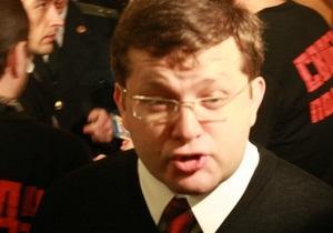 Охранники общежития обрызгали депутата Арьева из огнетушителя
