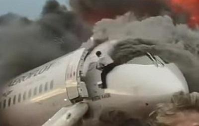 Опубліковані фото пілота, який прорвався в палаючий літак у Шереметьєво