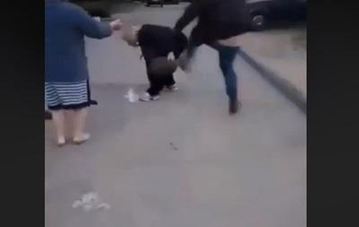 У Запоріжжі водій побив сусідку через паркування