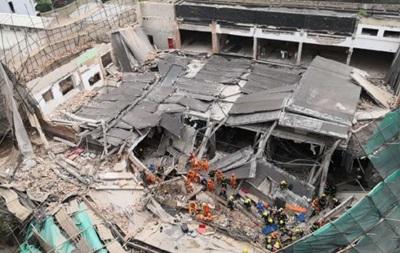 У Шанхаї завалилася будівля, під завалами люди