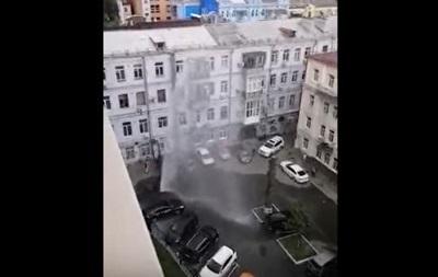 У Києві забив  фонтан  висотою в 5-поверховий дім