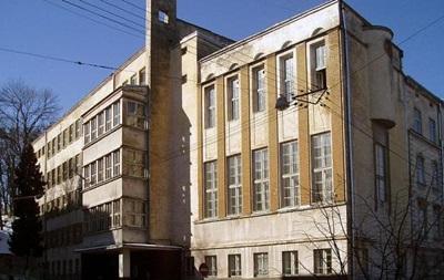 У Львівському ліцеї завалилася стіна
