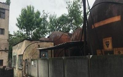 На підприємстві в Чернівецькій області вилучили сорок тонн прекурсорів