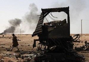 Конфликт в Ливии: самолеты коалиции подвергли бомбардировке родной город Каддафи
