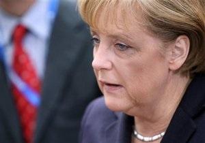 Меркель заявила о намерении сохранить еврозону в существующих границах