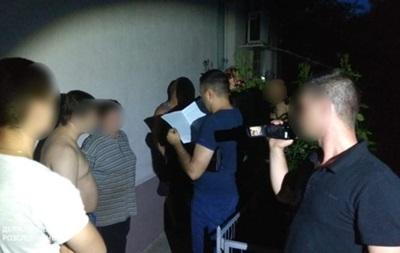 На Донбассе сотрудника СБУ задержали за сбыт наркотиков