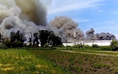 Під Києвом масштабна пожежа на птахофабриці