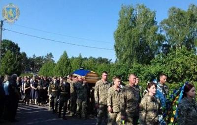 Крушение Ми-8: в Бродах попрощались с военными