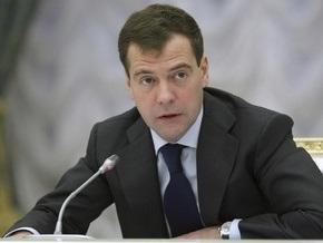 Медведев призвал Лукашенко сдержаннее высказываться в адрес Путина