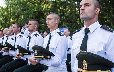 Офицеры, россияне . В Академии Нацгвардии скандал из-за песни на выпускном