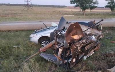 У Миколаївській області в ДТП авто розірвало навпіл: двоє загиблих