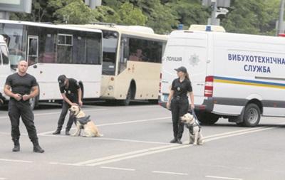 У Києві поліцейські шукали вибухівку в дитсадках