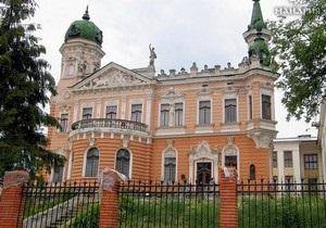 DW: Во Львове из Национального музея похищены десятки старинных книг и рукописей