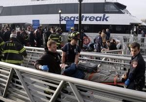 На Манхэттене паром врезался в пристань, пострадали десятки пассажиров