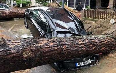 Італія ліквідовує наслідки урагану на півночі країни