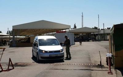 На КПП на Донбассе застряли 250 автомобилей