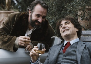 Сегодня в украинский прокат выходят две французские комедии
