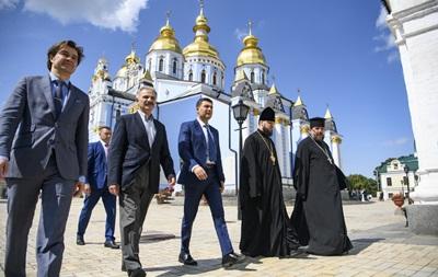 Гройсман передав для ПЦУ приміщення в центрі Києва
